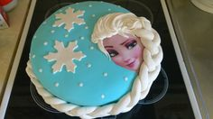 Frozen Elsa täytekakku - Omena-vaniljatäyte - Kiitos Charlotta! #mitätahansaleivotkin #leivojakoristele #droetker #kakku #leivonta #kilpailu #frozen