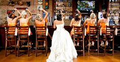 Ideas creativas para fotos de boda. http://www.okchicas.com/humor/divertidas-ideas-sesion-fotos-boda/