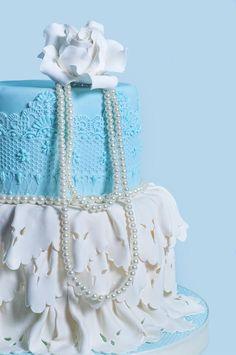 Ornamen Renda Percantik Kue Pengantin