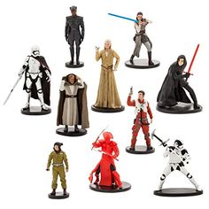 Disney Parks Star Wars: The Last Jedi Deluxe Figure Play Set New with BoxAges to HNew with Box Star Wars Cake Toppers, Star Wars Cupcakes, Star Wars Costumes, Cool Costumes, Darth Vader Figure, Star Wars Birthday, Star Wars Action Figures, Star Wars Toys, Star Wars Darth