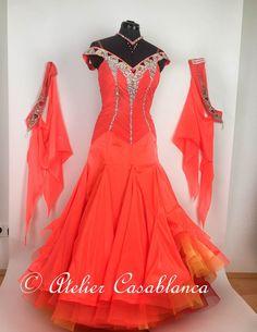 SK-IAG18 ボリュームたっぷりのスカートが美しいフレームレッド&ピンクのスタンダードドレス(9-11号、スカート長め) | Atelier Casablanca -ダンスドレスの部屋- - 楽天ブログ