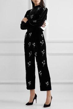 Black velvet Pull on polyester, elastane Machine wash Imported Couture Mode, Couture Fashion, Velvet Fashion, Western Outfits, Mode Outfits, Classy Outfits, Wide Leg Pants, Ideias Fashion, Fashion Dresses