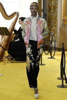 Gucci Resort 2018 Collection Photos - Vogue