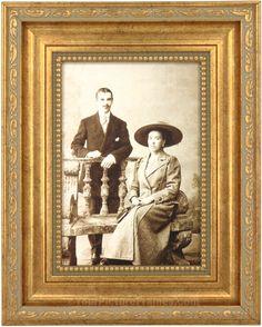 Sorrento Gold Antique Picture Frame