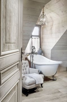 Shabby-chic white bathroom with wingback chair Home Interior, Interior And Exterior, Interior Design, Classic Interior, Bathtub Remodel, Decoration Inspiration, Bathroom Inspiration, Ivy House, Luxury Bath