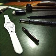 making | watch strap for vintage Zenith  #bespoke #leatherwork #leathercraft #watchstrap #watches #watchaccessories #zenith #niwaleathers by niwa_leathers
