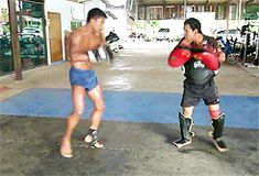 Muay Thai gif Buakaw Banchamek training [x]
