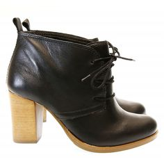 Bota Cano Curto Preta 377 Valentina | Moselle sapatos finos femininos! Moselle sua boutique online.