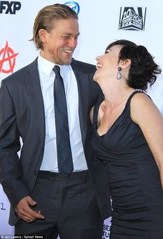 Charlie Hunnam & Maggie Siff