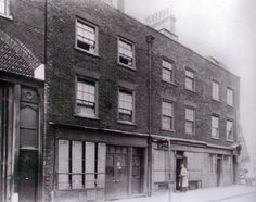 Jack the Ripper Photo Archive - C-D/Cable Street, date unknown Vintage London, Old London, East London, Uk Photos, London Photos, Great Photos, Irish Catholic, Bethnal Green, Industrial Architecture