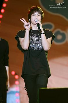 Jonghyun <3 SHINee
