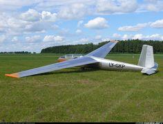 Let L-13 Blanik aircraft picture