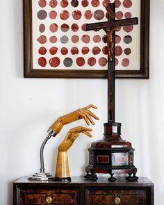 Just love these antique hands - such great decorative items #antiques #religious #waxseals #europeanantiquesnz https://www.instagram.com/europeanantiquesnz/