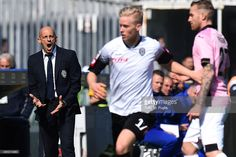 Head Coach Domenico Di Carlo of Cesena shouts during the Serie A match between AC Cesena and US Citta di Palermo at Dino Manuzzi Stadium on March 8, 2015 in Cesena, Italy.