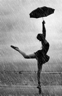 Dancing in the rain. would be even better if you let go of the umbrella. London Photography, Dance Photography, Je T Aimes, Rain Quotes, I Love Rain, Morning Rain, Rain Art, Taurus Woman, Parasols