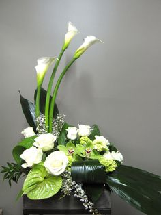 Flower Arrangement for Urn 2203-2 Florist Montreal Abaca
