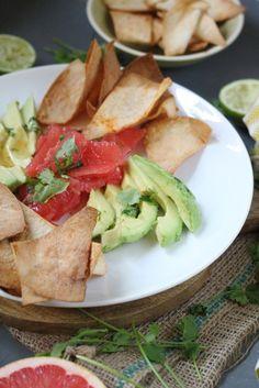Avocado-Grapefruit Salat mit Tortillachips