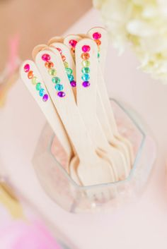 DIY Unicorn Party Forks. Yes!! Easy and cute!