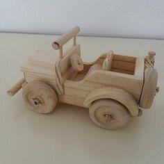 Jouet artisanal decoratif bois fait main modele jeep