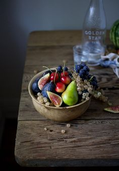 Maybe too much clutter on table for my taste but fruit bowl and lighting is wonderful. Fruit Bowl from Nikole Herriott's photostream