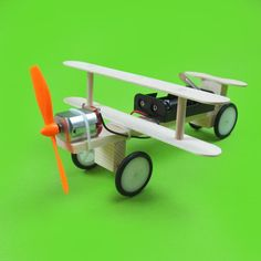 On Sale Electric taxi aircraft DIY science and technology small inventions scientific experiments popular science toys Stem Projects, Science Fair Projects, Science Experiments Kids, Science Toys, Science And Technology, Scientific Inventions, Science Classroom Decorations, Kit Diy, Material Science