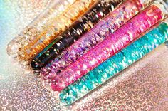 Glitter glitter everywhere! ✨ #liquidglitter #liquidglitterbrushes #liquidglittermakeupbrushes #makeupbrush #glitterbrushes