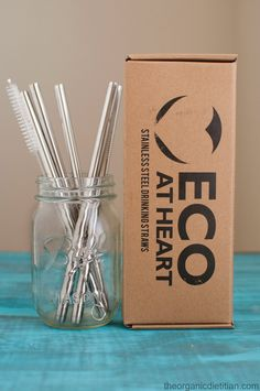 Avoiding plastic with Eco At Heart stainless steel reusable straws. GIVEAWAY going on now. #ad #giveaway #clean
