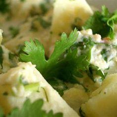 Bobby Flay's Mesa Grill Potato Salad Recipe Bobby Flays Mesa Grill Kartoffelsalat Rezept – MyThirtySpot Braai Recipes, Chef Recipes, Food Network Recipes, Salad Recipes, Cooking Recipes, Wing Recipes, Recipies, Garlic Potato Salad Recipe, Braai Salads