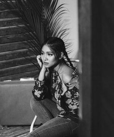 Dont forget to grab a copy of Metro Magazine March Issue - Nadine Lustre on the… Filipina Actress, Filipina Beauty, Nadz Lustre, Filipino Girl, Photoshoot Bts, Jadine, Smart Girls, Best Actress, Girl Crushes
