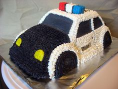 Police Car I just finished this cake for my little Brother who Graduated from MSU's Law Enforcement Program. Police Birthday Cakes, Birthday Cupcakes, 7th Birthday, Birthday Ideas, Police Cupcakes, Cop Cake, Police Party, Fireman Party, Cars Birthday Parties