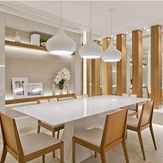 A modern room in your home can be the best room design if you know how to make it good. The advantage of using the modern style is its flexibility to be combined with another design style. Luxury Dining Room, Dining Room Lighting, Dining Room Design, Dining Rooms, Rooms Home Decor, Living Room Decor, Dinner Room, Living Room Modern, Home Decor Inspiration