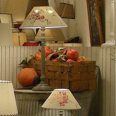 brocante et abat jour vitrines pinterest brocante abat jour et abat. Black Bedroom Furniture Sets. Home Design Ideas