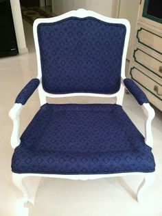 Jenny from Little Green Notebook shares a 5 part series about how to reupholster a chair.