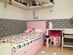 Bed and desk #Asoral, wallpaper #Bartsch, carpet #Lorena Canals...thanks to Federica!
