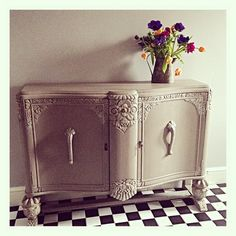 Finally starting the nice bits of our hall revamp. The floor is finished and Great Granny's dresser is looking super smart. #hall #hallway #halllove #hallfloor #tiledfloor #anniesloan #anniesloanchalkpaint #frenchlinen