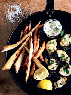 Fish'n root chips med tatarsauce