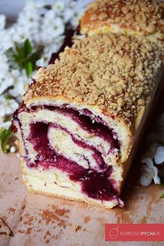Zawijane ciasto drożdżowe z dżemem Polish Desserts, Polish Recipes, Cookie Desserts, Sweet Desserts, Sweet Recipes, Delicious Desserts, Yummy Food, Cake Roll Recipes, Dessert Recipes