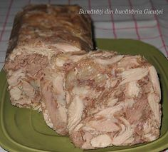 Toba de pui si porc in pet(sticla) Charcuterie, Romania Food, European Dishes, Hungarian Recipes, Romanian Recipes, Pastry Cake, Smoking Meat, Food And Drink, Appetizers