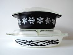 Retro Rainbow // Black + White Jenny's Pyrex. ///// I own the bottom barbed wire pattern!