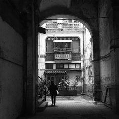 #milliondollarvisuals #cuba #havana #america #travel #housenumbers #architecture #blackandwhite #old #city #streetphotographer #streetphotography