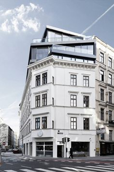 Josef Weichenberger Architects mix old, traditional architecture with the angular and modern. Image source: http://www.archdaily.com/217122/renovation-and-heightening-in-margaretenstrase-9-josef-weichenberger-architects/