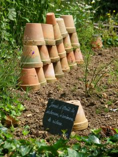 La Roche Jagu...clay pots at the ready for the gardener.