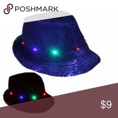CHRISTMAS HAT LED Fedora Hat Light-Up BLUE PARTY uitable season: Spring, Summer, Autumn, Winter  Eaves: flat eaves  Cap top style: Flat top  Cap style: Short eaves  Color: BLUE  (i have all color please check my items)  Size: Length*Width*Inner height 28*24*11cm/11.02*9.45*4.33inch 58cm  Battery: 3 * LR44 button cell(included)  INCLUDED: 1PC + RANDOM GIFT Accessories Hats