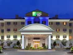 Watertown (NY) Holiday Inn Express Hotel & Suites Watertown - Thousand Islands United States, North America Stop at Holiday Inn Express Hotel & Suites Watertown-Thous to discover the wonders of Watertown (NY). The hotel offers a wide range of amenities and perks to ensure you have a great time. Service-minded staff will welcome and guide you at the Holiday Inn Express Hotel & Suites Watertown-Thous. Whirlpool bathtub, air conditioning, heating, desk, alarm clock can be found i...