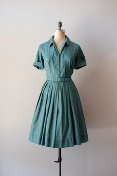 1950s shirtwaist dress. I want this really bad!