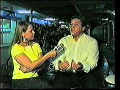 Samuel Lopes batendo um papo com Stela Paris no Auê na TV