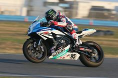 Yoshimura Suzuki's Roger Lee Hayden puts it into 2nd place on both days at this weekends opening Round of AMA Superbike Racing in Daytona. #AMA #Superbike #Daytona #Sportbike #knfilters
