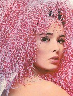 Pierre Cardin – mini MAD MOD 60s/70s, model Sondra Peterson