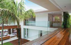 Uma morada de praia com visual contemporâneo e planta fluida - Casa