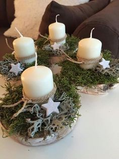 Simple and clever! christmas tablescapes , Simple and clever! Simple and clever! Christmas Table Centerpieces, Christmas Tablescapes, Christmas Candles, Rustic Christmas, Xmas Decorations, Natural Christmas, Christmas Makes, Christmas Time, Christmas Wreaths